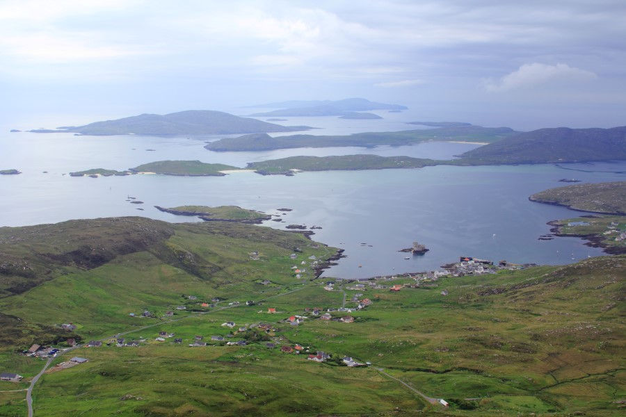 Castlebay from Heabhal